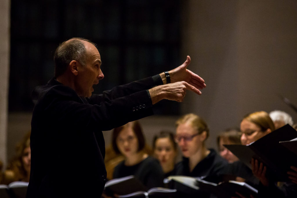 Ulrich Brassel dirigiert die Cappella Aquensis